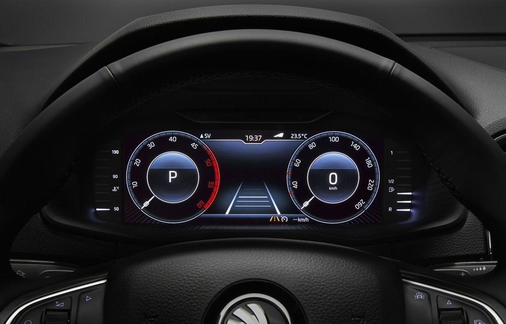 Skoda se adaptează la epoca modernă: SUV-ul Karoq este primul model al mărcii cu ceasuri de bord digitale - Poza 1