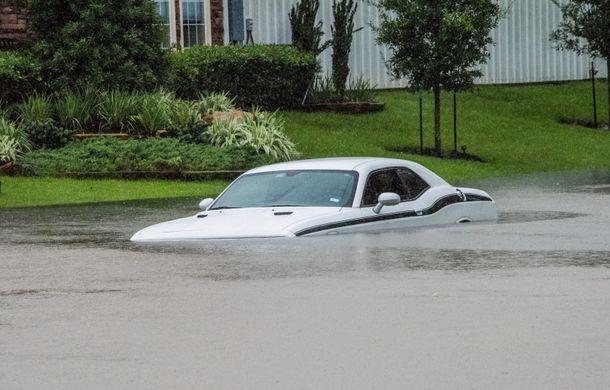 Ce rămâne după uraganul Harvey? 500.000 de mașini distruse și reduceri de 500 de euro venite de la FCA și GM - Poza 2