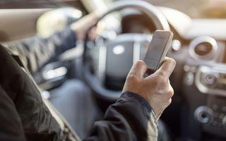 Unde-i lege, nu-i tocmeală: a primit o amendă de peste 1.200 de dolari canadieni pentru că se uita în ecranul telefonului mobil