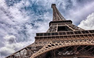 Opulența luată în vizor: Franța pregătește o taxă pe supercaruri și iahturi de lux