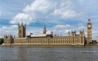 Londra va introduce o taxă pentru cele mai poluante autovehicule: sunt vizate mașinile înmatriculate înainte de 2006 și care nu respectă normele Euro 4