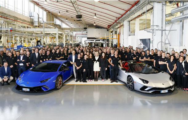 Sărbătoare în Italia: Lamborghini a produs 7.000 de unități Aventador și 9.000 de exemplare Huracan - Poza 1