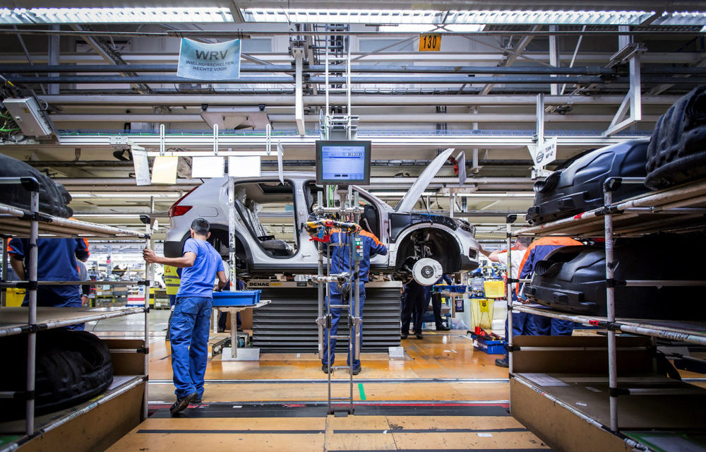 Volvo a demarat producția lui XC40: cel mai mic SUV al suedezilor este asamblat în Belgia - Poza 3