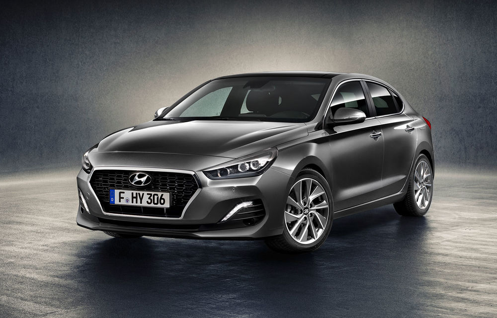 """Hyundai i30 Fastback s-a lansat și în România: """"coupe-ul"""" cu cinci portiere pleacă de la 20.600 de euro cu TVA - Poza 1"""