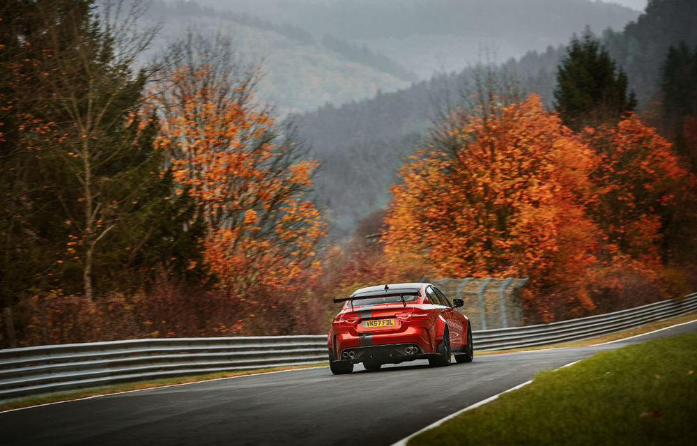 Jaguar XE SV Project 8: prototipul de 600 de cai putere a devenit cel mai rapid sedan pe Nurburgring - Poza 3