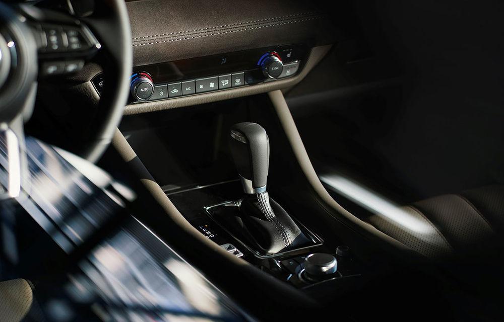 Mazda6 primește îmbunătățiri noi: design ușor revizuit și modificări în ceea ce privește comportamentul dinamic - Poza 13