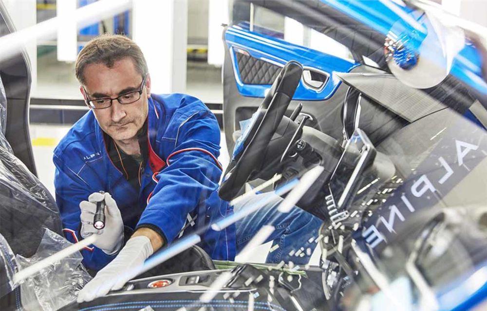 Alpine A110 a intrat pe linia de producție: sportiva de 252 CP este asamblată în cadrul uzinei din Dieppe - Poza 3