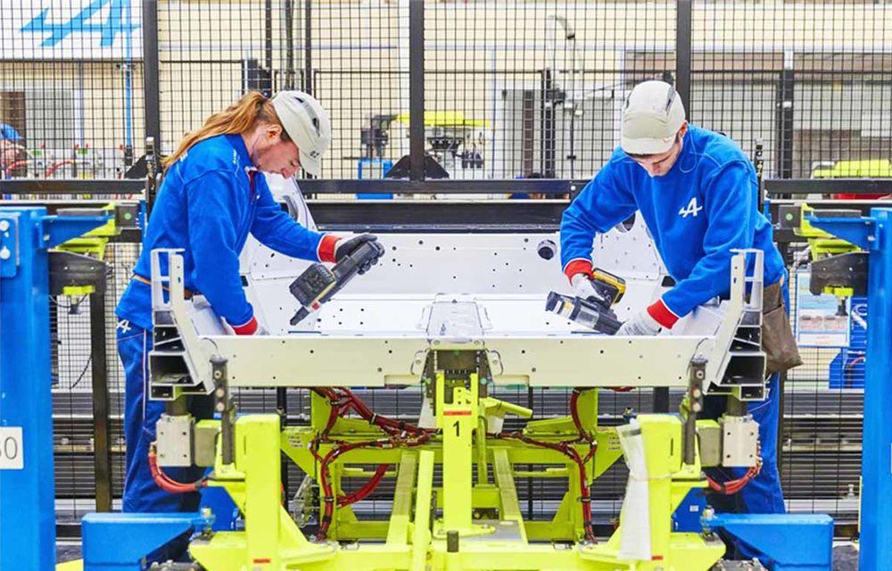 Alpine A110 a intrat pe linia de producție: sportiva de 252 CP este asamblată în cadrul uzinei din Dieppe - Poza 11