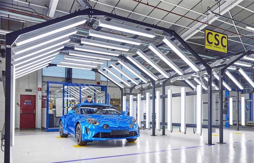 Alpine A110 a intrat pe linia de producție: sportiva de 252 CP este asamblată în cadrul uzinei din Dieppe - Poza 2