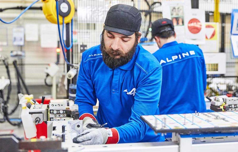 Alpine A110 a intrat pe linia de producție: sportiva de 252 CP este asamblată în cadrul uzinei din Dieppe - Poza 8
