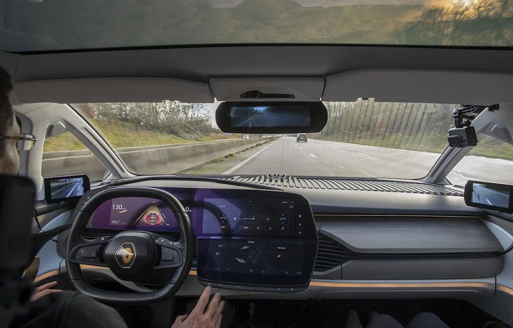 Ziua în care am călătorit în viitor: test în trafic real cu prototipul autonom Renault Symbioz - Poza 54