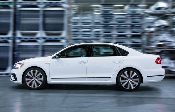 Volkswagen Passat GT: modelul german primește o versiune sportivă pentru clienții din Statele Unite - Poza 8
