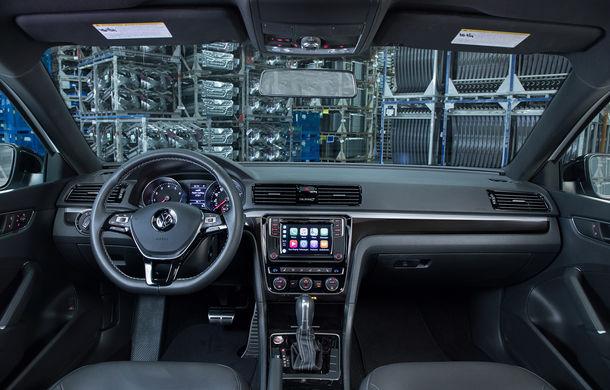 Volkswagen Passat GT: modelul german primește o versiune sportivă pentru clienții din Statele Unite - Poza 16