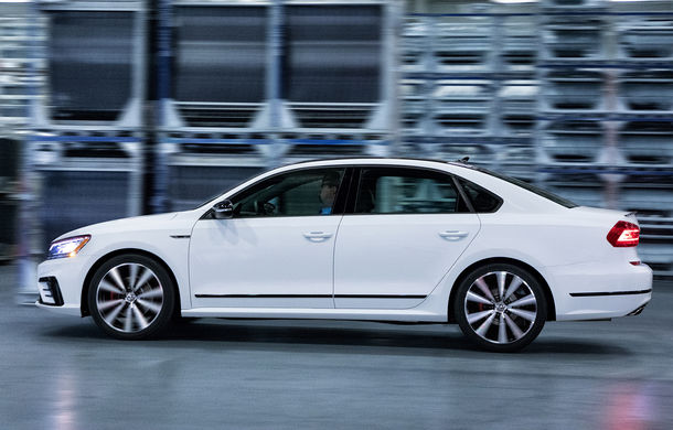 Volkswagen Passat GT: modelul german primește o versiune sportivă pentru clienții din Statele Unite - Poza 9