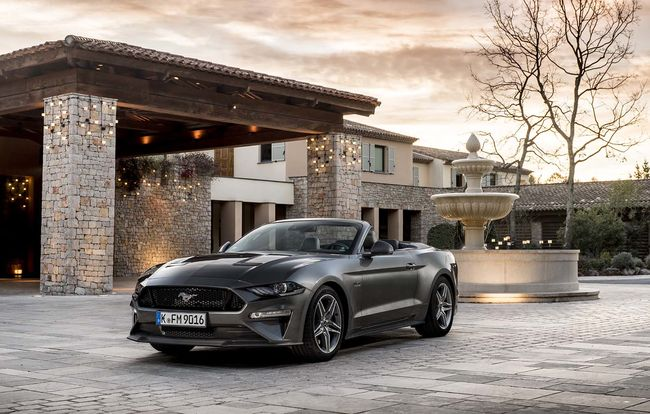 Test drive Ford Mustang Convertible facelift