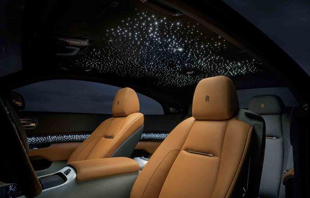 Rolls-Royce lansează ediția specială Wraith Luminary: 55 de unități cu plafon cu stele căzătoare și accesorii acoperite cu țesătură din oțel - Poza 8
