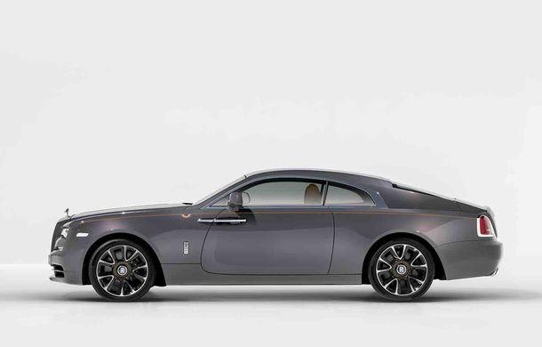 Rolls-Royce lansează ediția specială Wraith Luminary: 55 de unități cu plafon cu stele căzătoare și accesorii acoperite cu țesătură din oțel - Poza 3