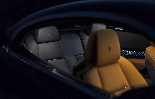 Rolls-Royce lansează ediția specială Wraith Luminary: 55 de unități cu plafon cu stele căzătoare și accesorii acoperite cu țesătură din oțel - Poza 7