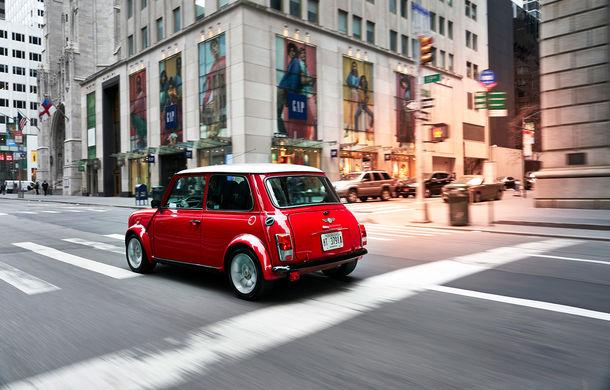 Arc peste timp: un Mini clasic a fost transformat într-un vehicul 100% electric - Poza 17