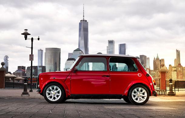 Arc peste timp: un Mini clasic a fost transformat într-un vehicul 100% electric - Poza 5
