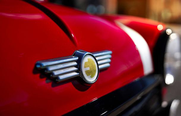 Arc peste timp: un Mini clasic a fost transformat într-un vehicul 100% electric - Poza 23