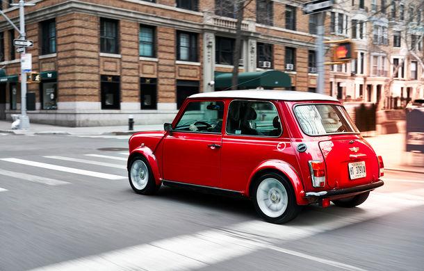 Arc peste timp: un Mini clasic a fost transformat într-un vehicul 100% electric - Poza 13