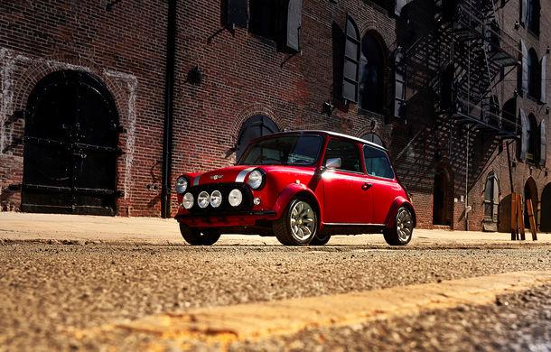 Arc peste timp: un Mini clasic a fost transformat într-un vehicul 100% electric - Poza 12