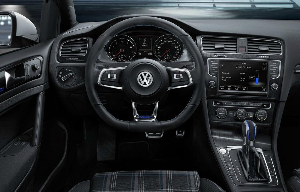 Mașinile Volkswagen, vulnerabile în fața hackerilor: cercetării olandezi au reușit să acceseze sistemul de infotainment - Poza 1