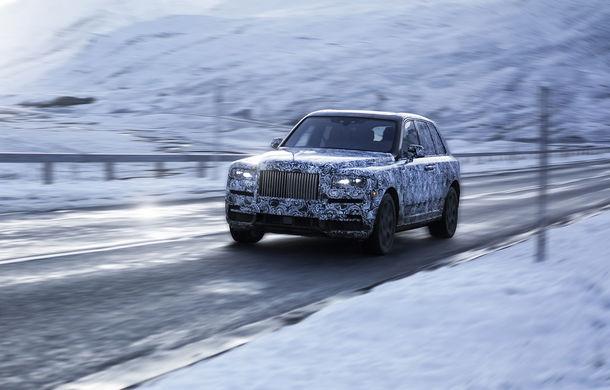 Rolls-Royce Cullinan mai face un pas către debut: teaser cu SUV-ul britanic ce va fi dezvăluit pe 10 mai - Poza 2