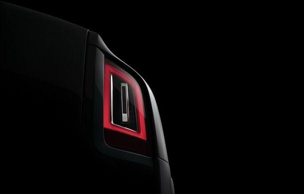 Rolls-Royce Cullinan mai face un pas către debut: teaser cu SUV-ul britanic ce va fi dezvăluit pe 10 mai - Poza 1