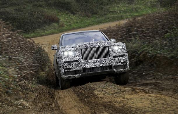 Rolls-Royce Cullinan mai face un pas către debut: teaser cu SUV-ul britanic ce va fi dezvăluit pe 10 mai - Poza 3
