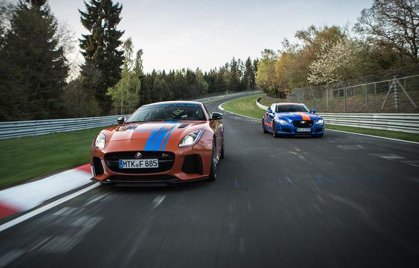 Alege să urci într-un Ring Taxi Jaguar: F-Type SVR și XJR575 au fiecare câte 575 CP și sunt gata să-ți ofere experiențe unice pe Nurburgring - Poza 2