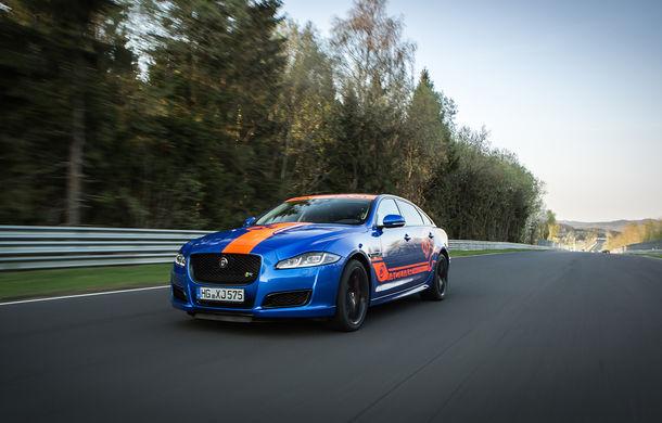 Alege să urci într-un Ring Taxi Jaguar: F-Type SVR și XJR575 au fiecare câte 575 CP și sunt gata să-ți ofere experiențe unice pe Nurburgring - Poza 5