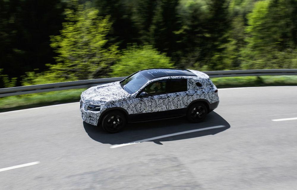 Mercedes a publicat noi imagini oficiale cu prototipul EQC: 4 ani pentru dezvoltarea primului model electric din gama EQ ce apare în 2019 - Poza 3