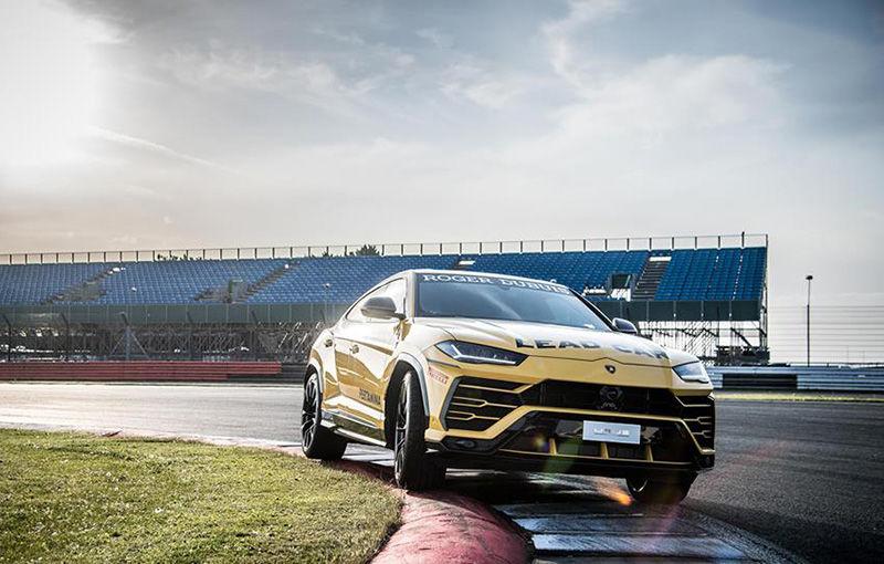 Lamborghini Urus ajunge pe circuit: SUV-ul de 650 CP este lead car în competiția Super Trofeo Europe - Poza 3