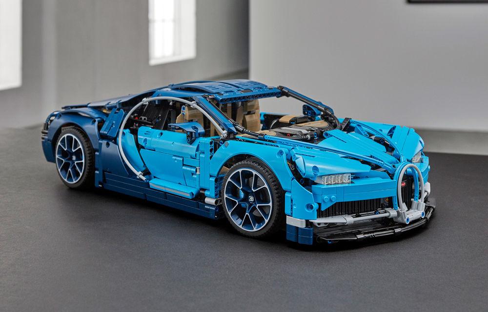 Pentru copilul din tine: Lego a pregătit un Bugatti Chiron din 3.599 de piese - Poza 1