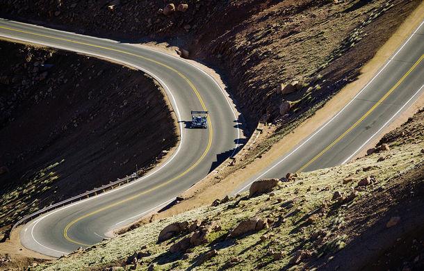 Record doborât: prototipul electric Volkswagen ID R a depășit cu 16 secunde timpul istoric de referință pe urcarea de la Pikes Peak - Poza 4
