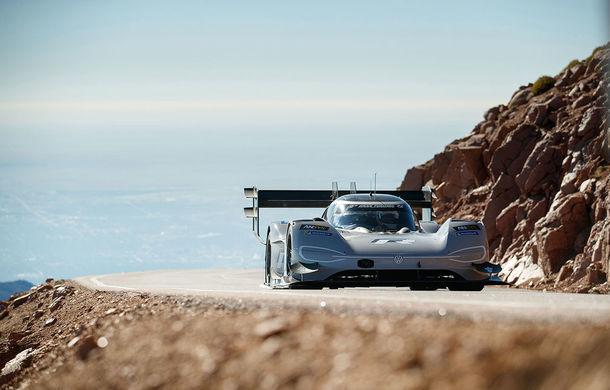 Record doborât: prototipul electric Volkswagen ID R a depășit cu 16 secunde timpul istoric de referință pe urcarea de la Pikes Peak - Poza 2