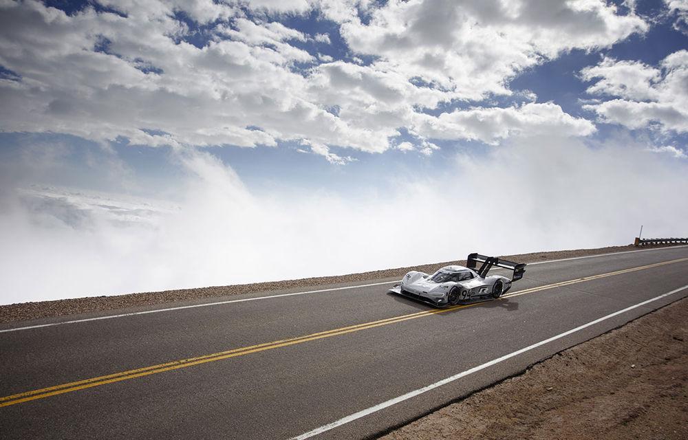 Record doborât: prototipul electric Volkswagen ID R a depășit cu 16 secunde timpul istoric de referință pe urcarea de la Pikes Peak - Poza 6