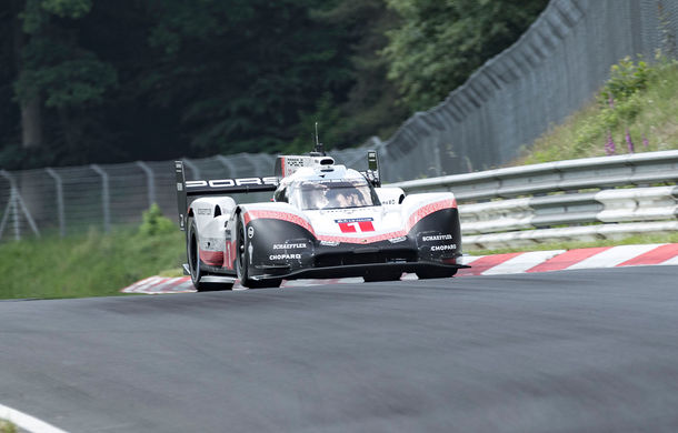 Porsche a doborât recordul all-time pe Nurburgring: prototipul 919 Hybrid Evo a parcurs Iadul Verde în 5 minute și 19.55 secunde - Poza 4