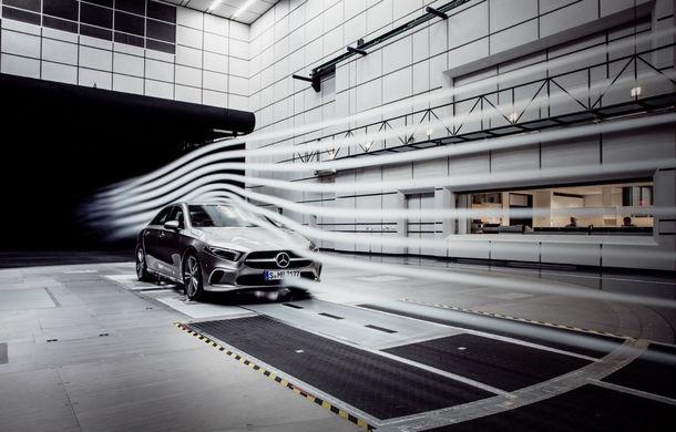 Primele imagini cu viitorul Mercedes-Benz Clasa A Sedan: noul model debutează până la finalul anului și va avea cel mai bun coeficient aerodinamic din segment - Poza 1