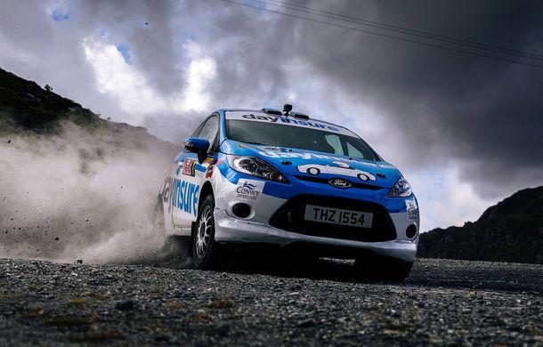 Campanie de promovare dusă la extrem: un Ford Fiesta pregătit pentru raliuri coboară pe tiroliană în Țara Galilor - Poza 6