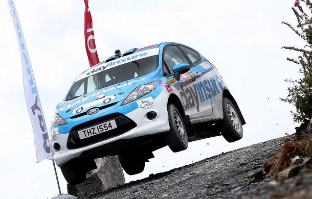 Campanie de promovare dusă la extrem: un Ford Fiesta pregătit pentru raliuri coboară pe tiroliană în Țara Galilor - Poza 7