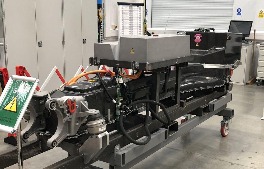 Detalii despre primul model electric de la Aston Martin: viteză maximă de 250 km/h pentru RapidE și aceeași tehnologie de încărcare ca Porsche Taycan - Poza 2