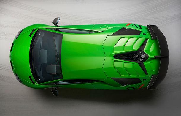 Lamborghini Aventador SVJ, imagini și detalii oficiale: supercar-ul italienilor are direcție integrală, 770 CP și o viteză maximă de peste 350 km/h - Poza 6