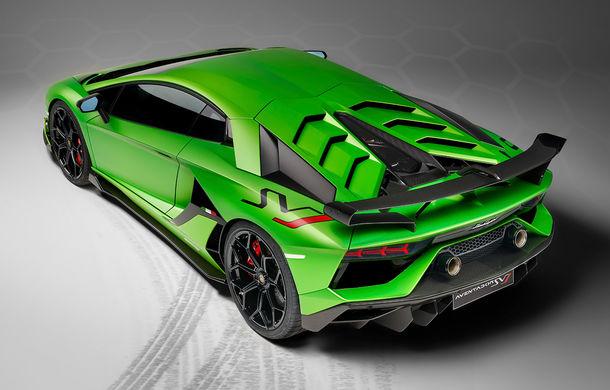 Lamborghini Aventador SVJ, imagini și detalii oficiale: supercar-ul italienilor are direcție integrală, 770 CP și o viteză maximă de peste 350 km/h - Poza 7
