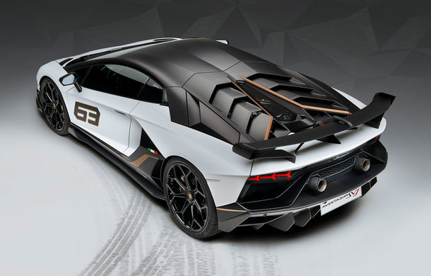 Lamborghini Aventador SVJ, imagini și detalii oficiale: supercar-ul italienilor are direcție integrală, 770 CP și o viteză maximă de peste 350 km/h - Poza 16