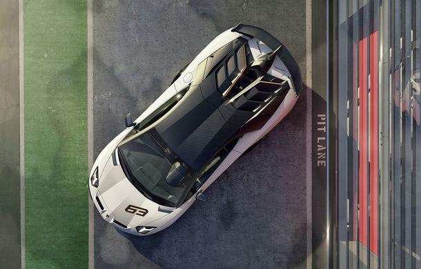 Lamborghini Aventador SVJ, imagini și detalii oficiale: supercar-ul italienilor are direcție integrală, 770 CP și o viteză maximă de peste 350 km/h - Poza 13
