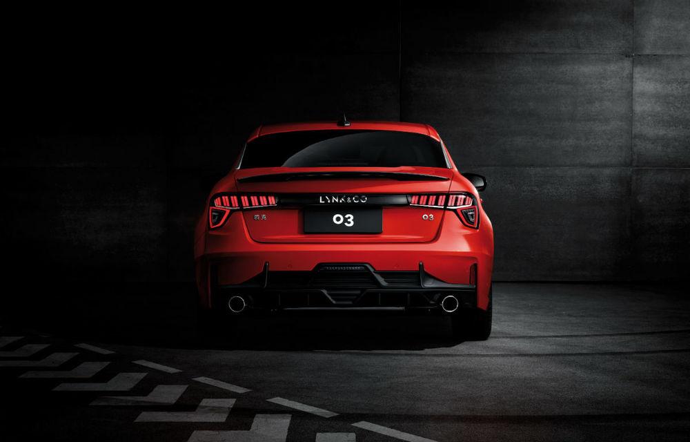 Primul sedan al chinezilor de la Lynk&Co, dezvăluit complet: interior modern, platformă Volvo și versiune hibridă - Poza 6