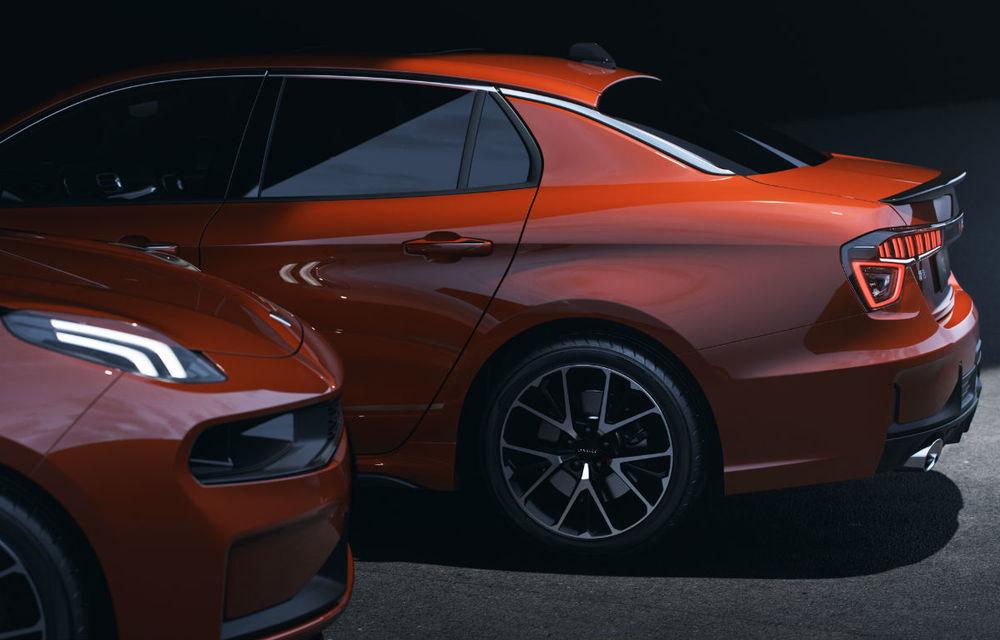 Primul sedan al chinezilor de la Lynk&Co, dezvăluit complet: interior modern, platformă Volvo și versiune hibridă - Poza 2